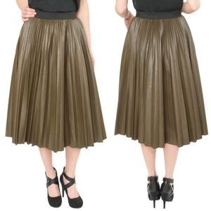 [JOA] Pleather Pleated Midi Skirt Olive Green